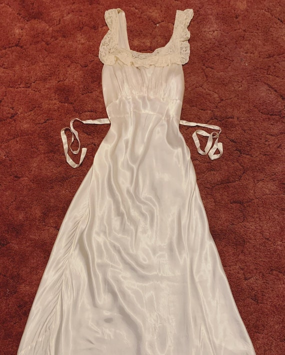 Vintage 1930s 1940s White Satin & Lace Nightgown S