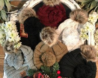 Pom Pom Beanie with INTERCHANGEABLE Pom, Chunky Knit, Fur Pom Pom, Winter Hat, Gift For Her, Trendy Pom Pom Beanie