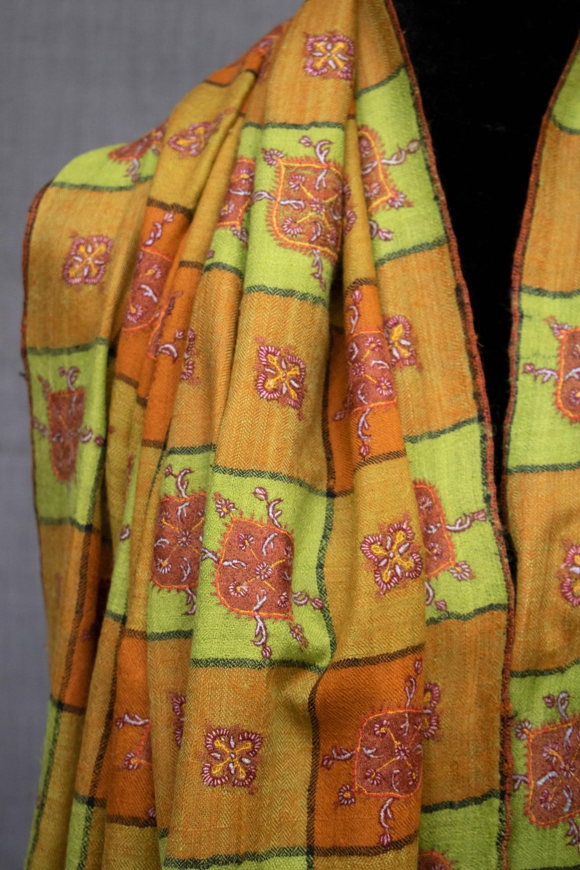 Mehnaz Kashmiri Shawl Embroidered Pashmina Sozni Work Pure image 0