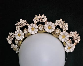 Mother & Daughter / Matching bespoke daisy crowns set