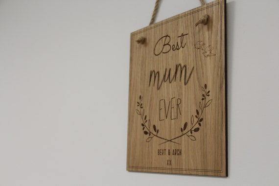 Wooden Hanging Mum Plaque