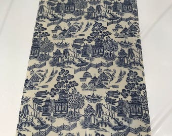 SMALL Reusable Cotton Beeswax Food Wrap Willow Pattern Chinese China White Blue 20cm x 20cm Eco Friendly Zero Waste