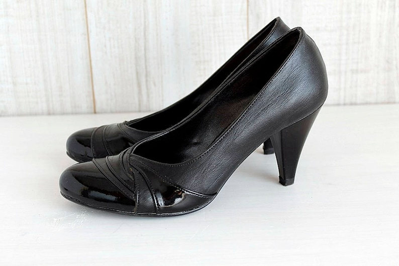 2070dcb8560f Classic Black Leather Women s High Heels Vintage 90s