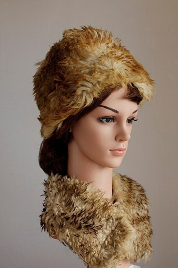 Vintage Women's Fur Cossack Hat, Fluffy Lamb Fur H