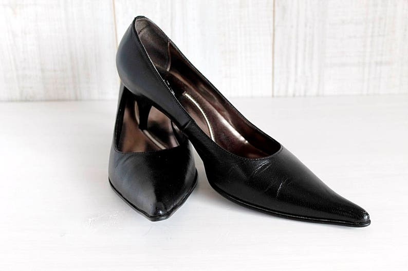 6b5d29a16ed Black Leather Pointed Toe High Heels Italian 80s Pumps