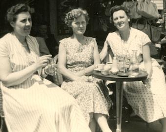 Vintage photo - Paris street café - Original Vintage Photos from PhotoTrouvee - 1950s found photo