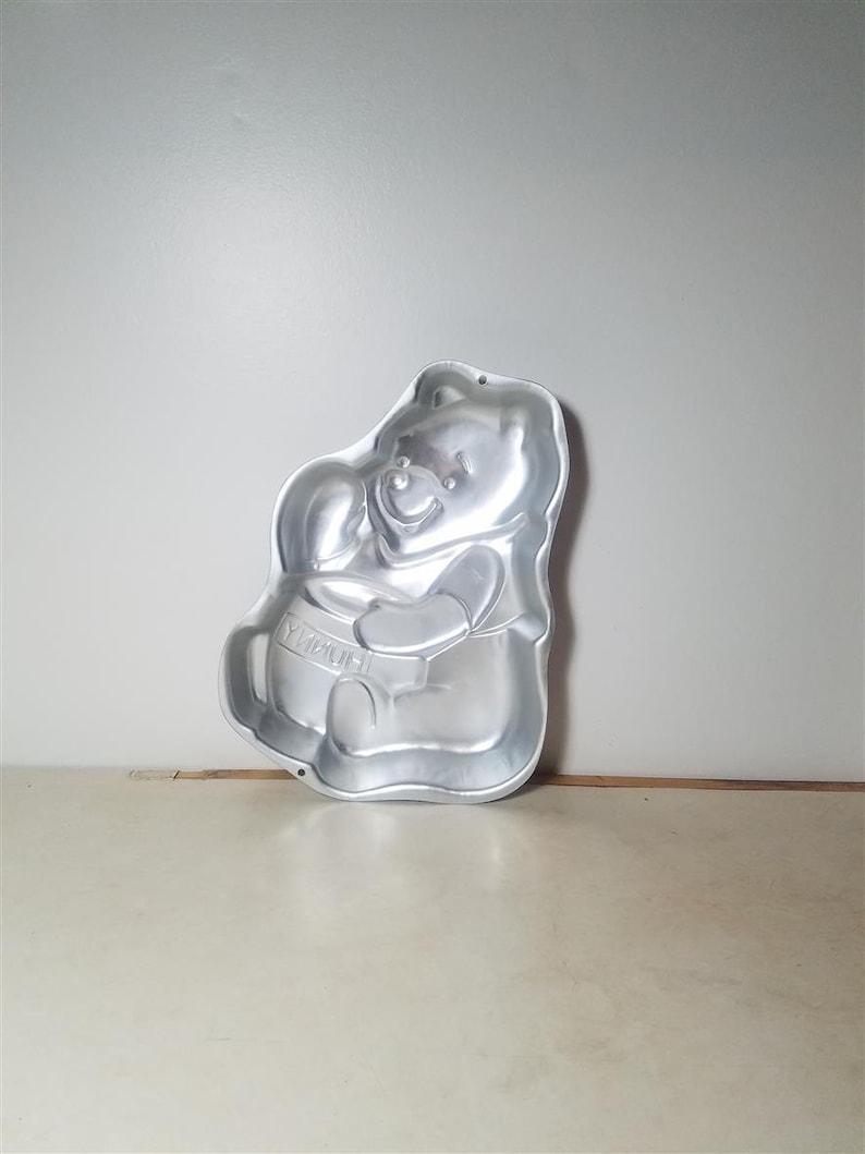 Wilton Baking Cake Pan 2105-3000 1995 Winnie the POOH Hunny Bear shaped pot mold
