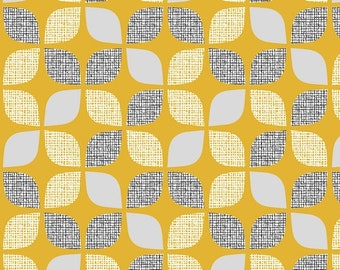Yellow Leaves - Nesting Birds - Dashwood Studio