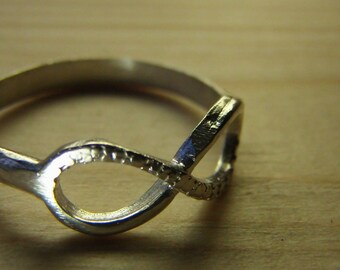 Detailed Infinity Ring
