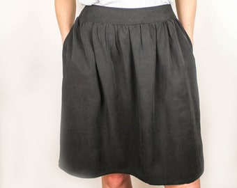 The Alex skirt in black twill