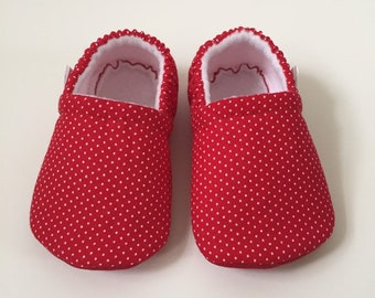3d68ebcf579 Red polka dot baby booties