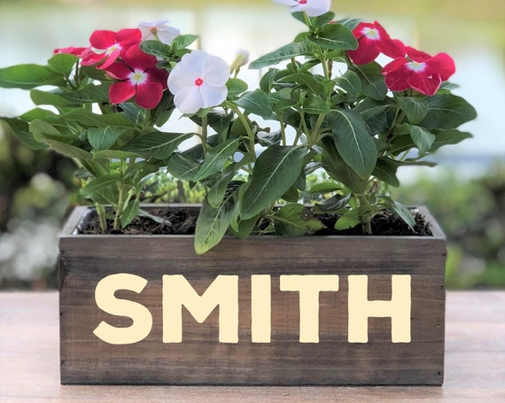 Personalized Wood Planter Box ~ Family Name ~ Any Name or Word ~ Anniversary ~ Wedding Centerpiece ~ Rustic Decor ~ Home Decor ~ Gift