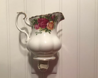 Old Country Roses Creamer #38