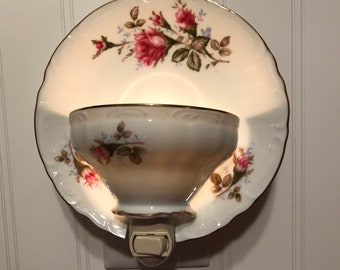 Royal Rose nightlight with saucer #43