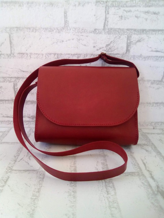 Crossbody Saddle Bag Minimalistic shoulder bag Red leather  3a3b1a14ea898