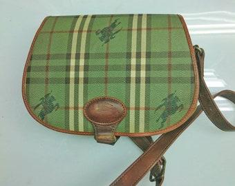 b97c300d9ab4 Vintage Burberrys crossbody bag