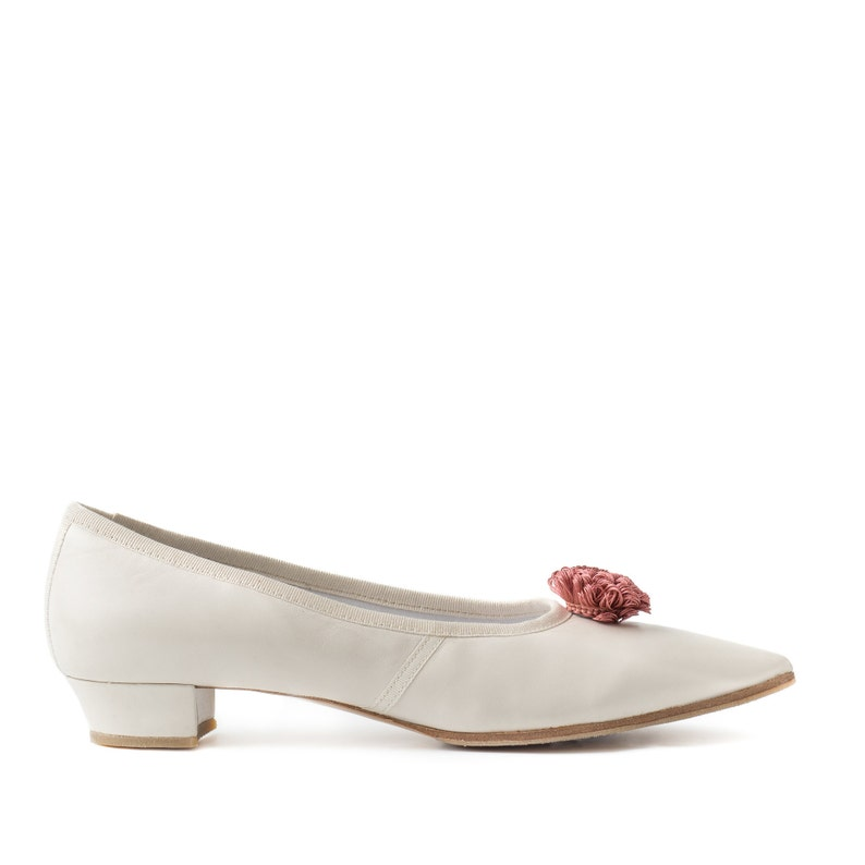 Paoul Jane 18th century ivory nappa leather woman shoes style image 0