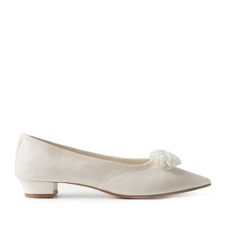 Paoul Mary 18th century ivory nappa leather woman shoes style image 0