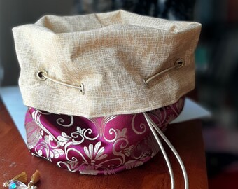 The Courtier - Large Bag With Pockets For Dice, Crystals, or jewelry