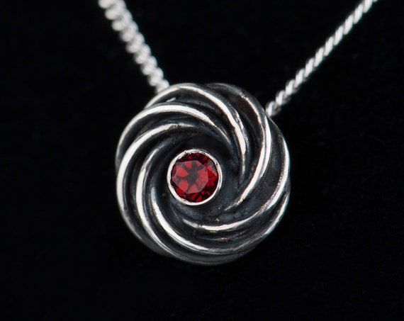 Sterling silver garnet organic pendant necklace