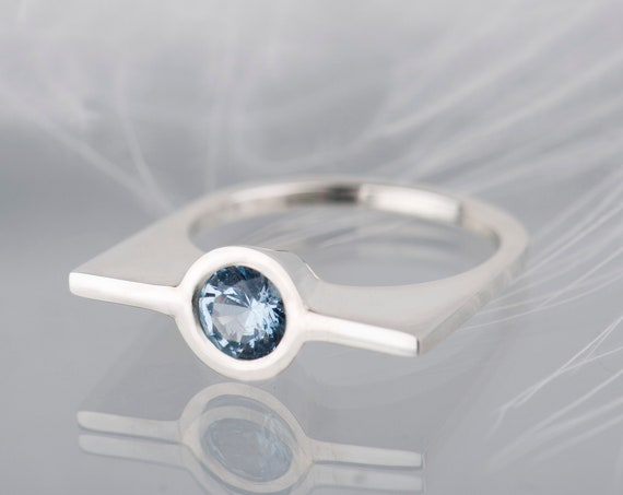 Sterling silver modern aquamarine ring