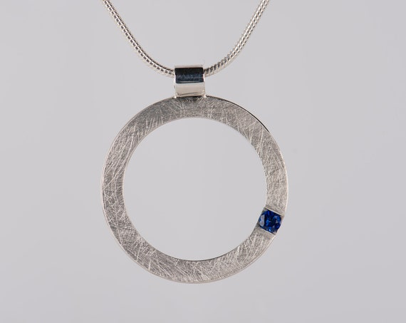 Minimalist sapphire pendant necklace