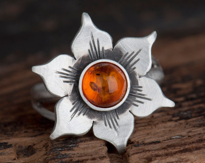 Amber ring, Silver flower ring, Sunflower ring, Baltic amber, Gift for mom