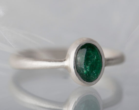 Sterling silver oval aventurine ring