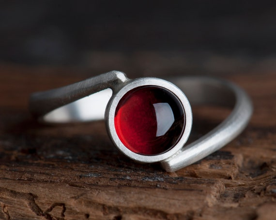 Garnet ring, Bohemian garnet, rings for women, gift for her, minimalist ring, Bohemian jewelry, january birthstone ring, birthstone ring