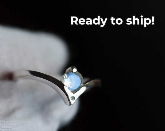 Ready to ship - Sterling silver chevron moonstone ring