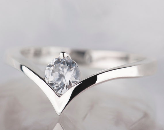 Minimalist sterling silver zircon ring
