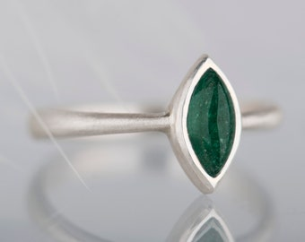 Sterling silver marquise aventurine ring