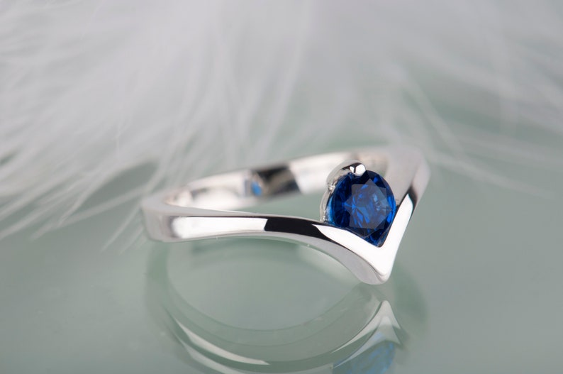 Silver Sapphire Ring Sapphire Engagement Ring Solitaire Blue Stone Ring September Birthstone Ring Modern Silver Ring