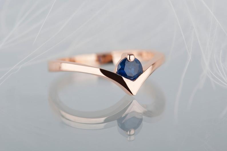 14K rose gold sapphire engagement ring Blue sapphire chevron image 0