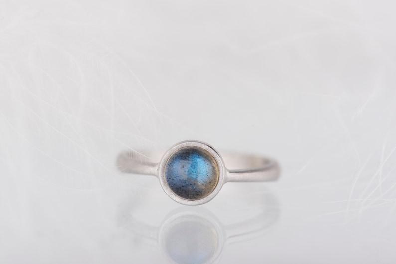 Simple sterling silver labradorite ring image 0