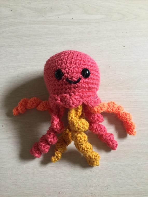 How to Crochet Amigurumi Jellyfish (fast and easy) - YouTube | 760x570