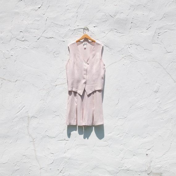 70's light pink two piece set | shorts + shirt | v