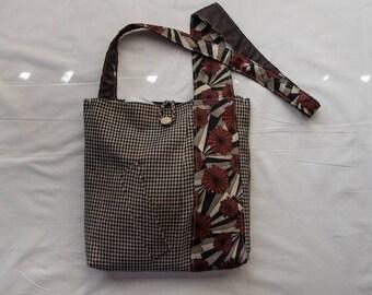 Red Starburst Messenger Bags