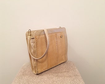 3e8a1c91e03 Vintage from the 60s - 70s     yellow snake skin bag     small cross body  bag     mod style     made in the UK