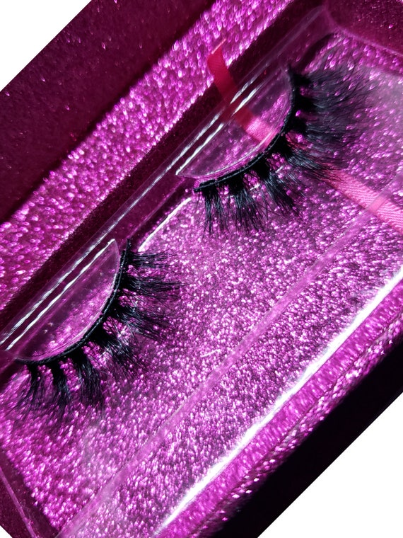TIna Toner Feather  lash / barbie short 3d lashes