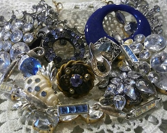 c35378e80 Vintage jewelry lot. Costume jewelry lot. Junk jewelry lot. Broken jewelry  lot. Rhinestone jewelry. Jewelry for craft.
