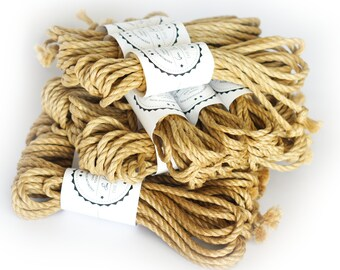10pcs jute rope set, B-stock, in various diameters and lengths, with small faults +1pc red silk blindfold with fabric crease (Set12)