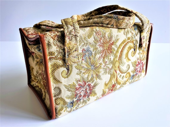 Vintage 1950's floral tapestry bag, travel makeup