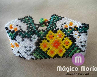 """Chaquira Bracelet """"Huichol Culture"""". Made with Love, Peyote flower"""