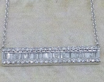 10Kt White Gold and .5ctw Diamond Bar Pendant