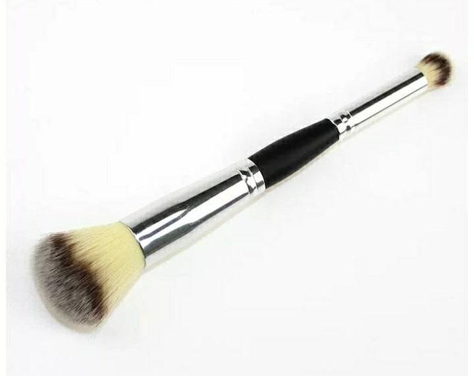 Brand new makeup brush