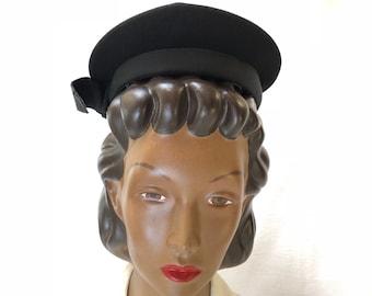 1940s Black Felt Beret Hat