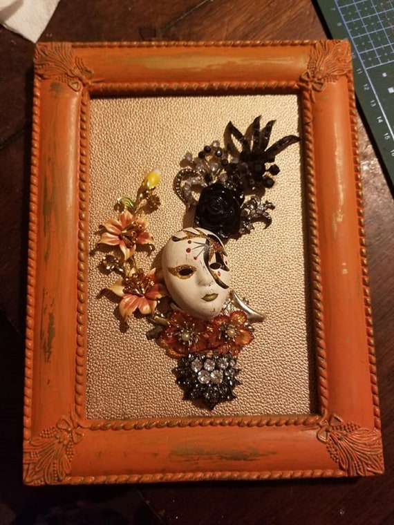 "Framed Jewelry Art ""Tropicana Queen"""