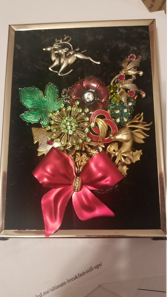 Framed Jewelry Art Christmas