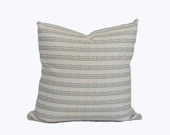"""Linear dot pillow cover """"Lennon"""""""